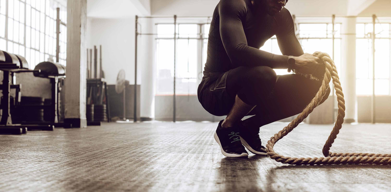 Functional Fitness – Workout Waldshut – Sportler mit Seil in der Hand